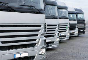"""Zapewniamy kompleksową obsługę transportu towarów """"od drzwi do drzwi"""""""