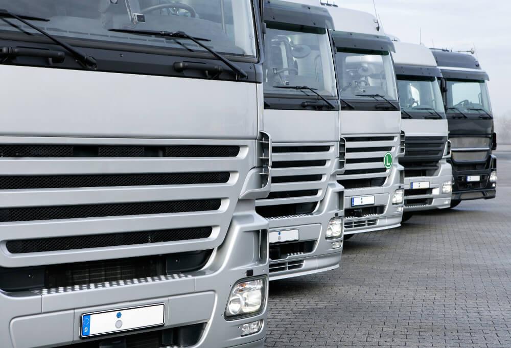 """Zapewniamy kompleksową obsługę transportu towarów """"od drzwi dodrzwi"""""""